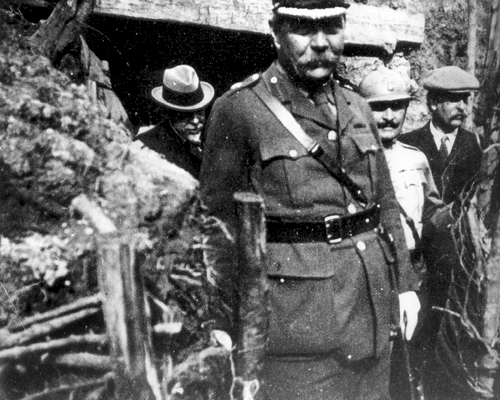 File:1916-06-arthur-conan-doyle-on-the-french-front.jpg