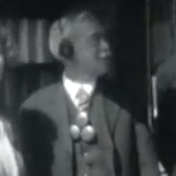 File:Conan-doyle-home-movie-footage-03-10-phonophor-man.jpg
