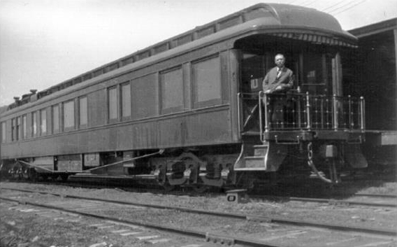 File:1914-arthur-conan-doyle-in-the-grand-trunk-railway-s-private-car-the-canada.jpg