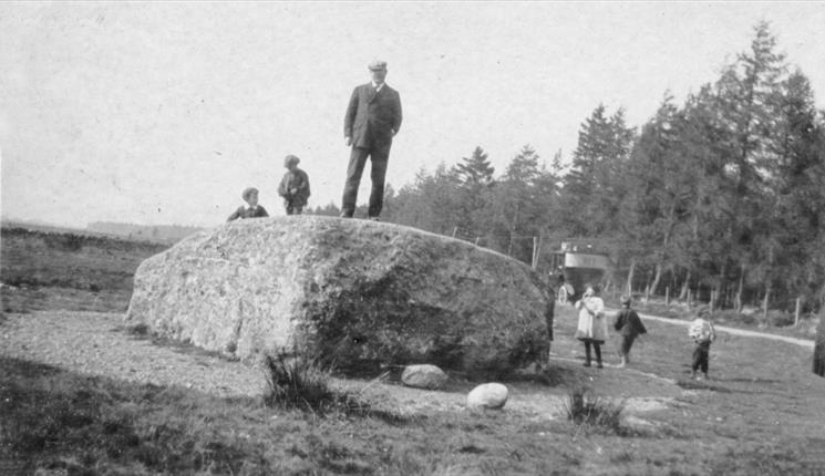 File:Undated-arthur-conan-doyle- standing-on-the-cumberland-stone-at-the-site-of-the-battle-of-culloden.jpg