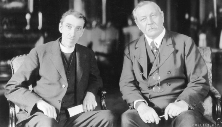 File:1920-arthur-conan-doyle-and-reverend-george-vale-owen.jpg