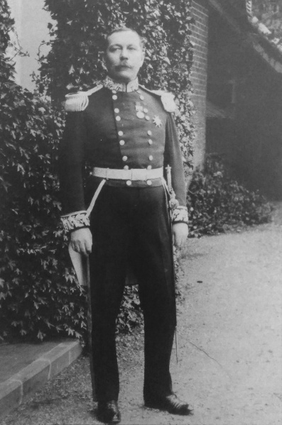 File:1902-arthur-conan-doyle-wearing-his-deputy-lieutenant-uniform.jpg