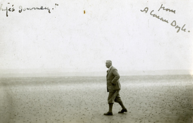 File:1920s-arthur-conan-doyle-walking-on-beach.jpg
