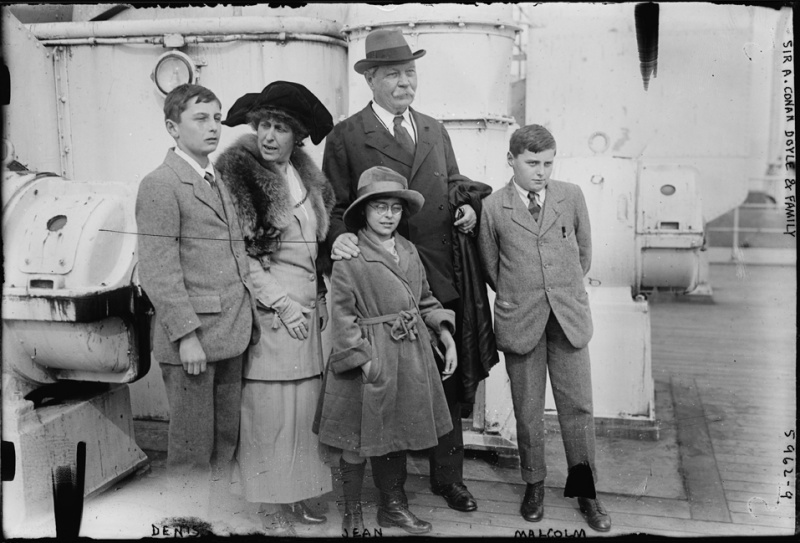 File:1923-04-03-sir-arthur-conan-doyle-and-family-ship-olympic2.jpg