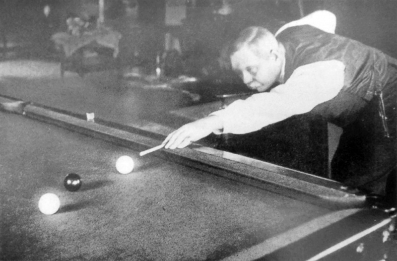 File:1927ca-arthur-conan-doyle-playing-billiards-at-windlesham.jpg