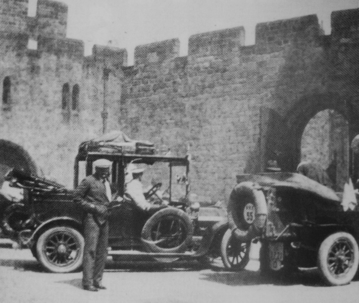 File:1911-prince-henry-tour-conan-doyle-in-front-of-his-car.jpg